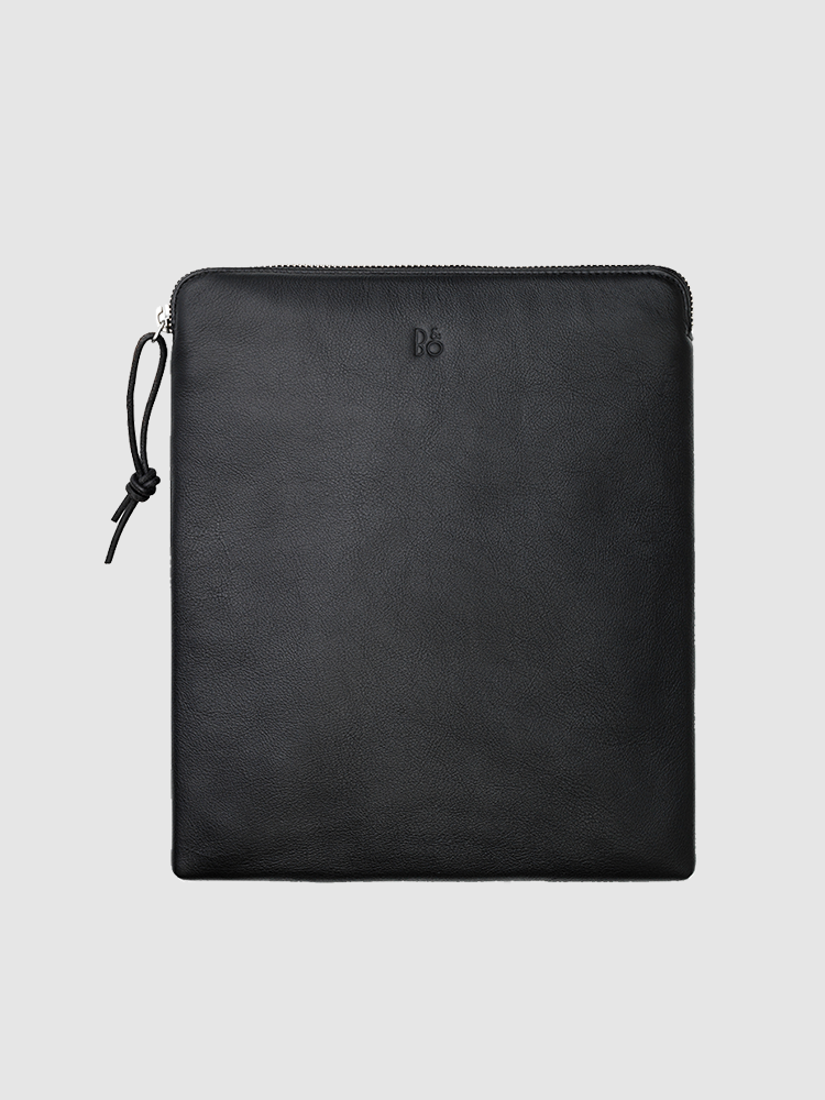 A premium carry bag for your Bang & Olufsen headphones.  Choose from either leather or fabric.