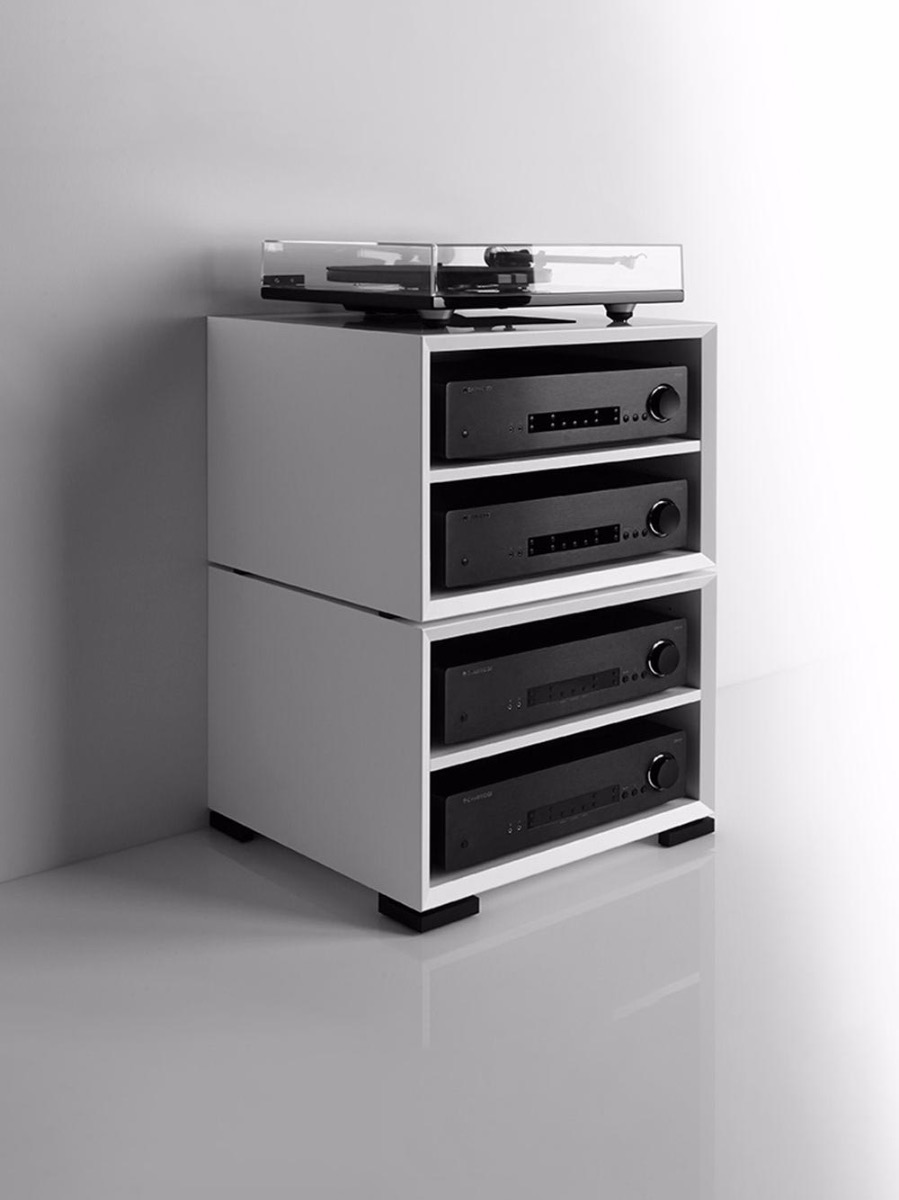 For extra storage for your vinyl collection, the Clic 210 can be stacked.