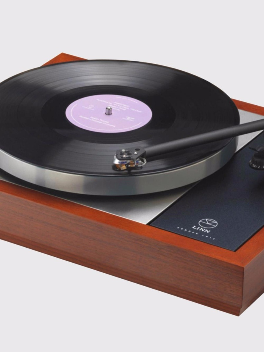 Linn Akurate LP12 turntable provides an elegant solution for vinyl enthusiasts.